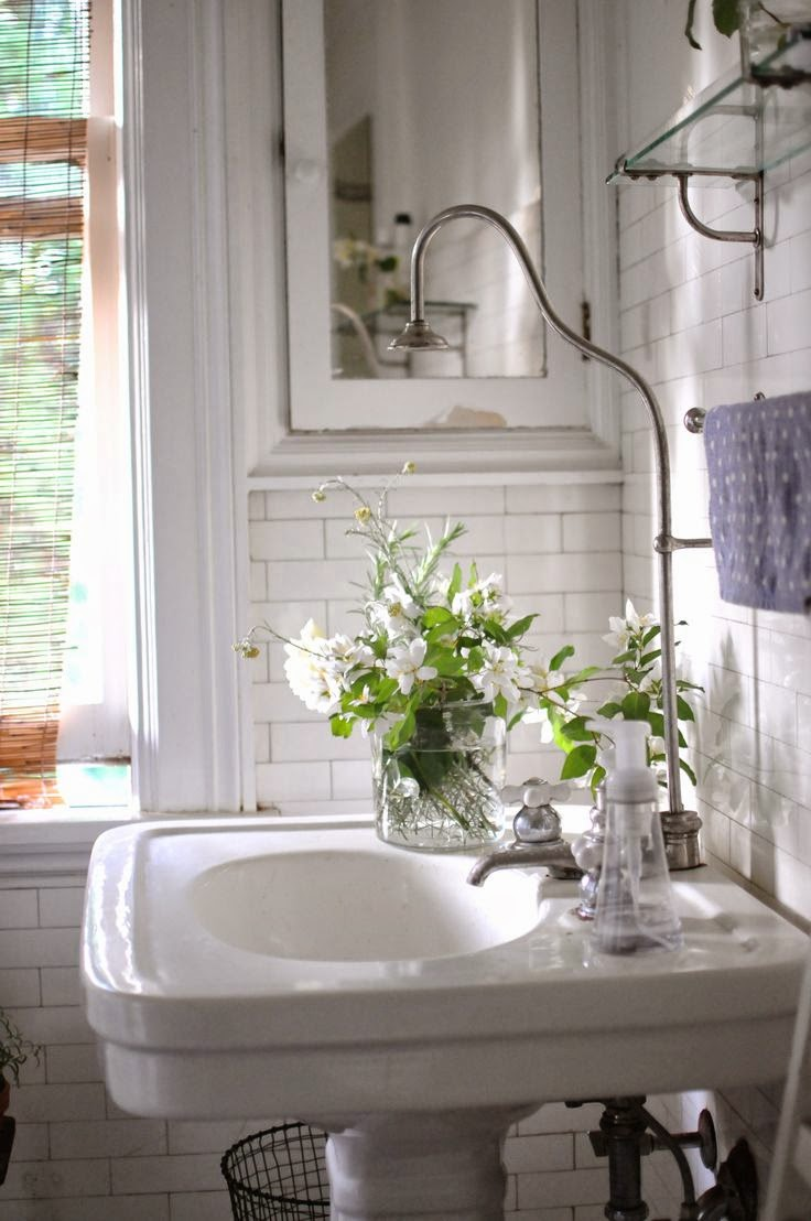 DUSTY: Bathroom details