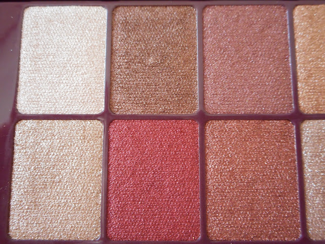 Maybelline The Burgundy Bar palette, 6 shades to the left