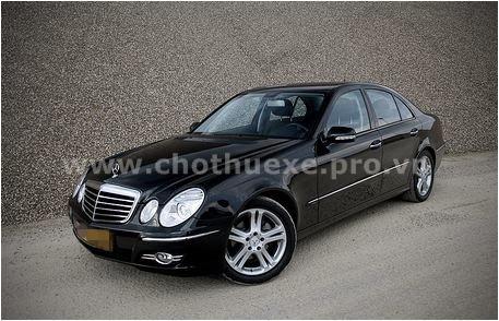 Cho thuê xe Mercedes E280 4 chỗ VIP