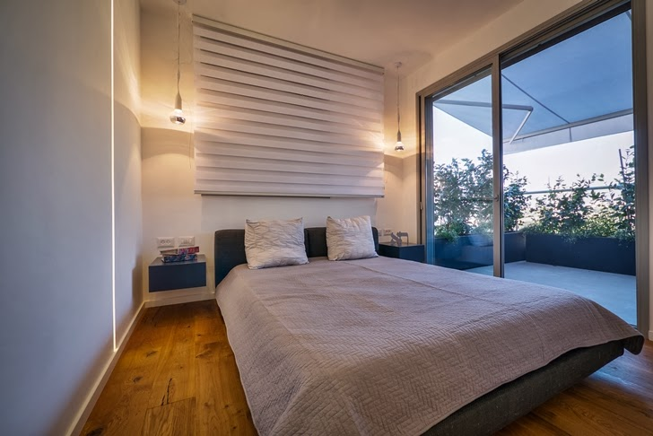 Bedroom in the Penthouse Apartment in Ramat HaSharon, Israel