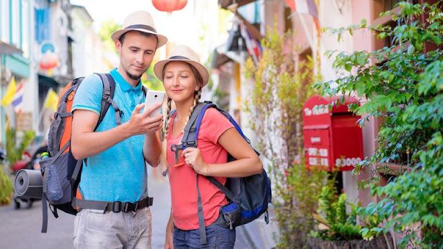 Los Españoles no se Separan del Móvil en Vacaciones