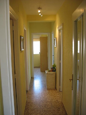 apartamento en venta calle apostol santiago benicasim pasillo
