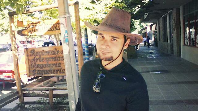 Eu com chapéu argentino, comprado em Uspallata.