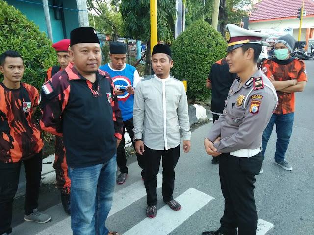 Sapma Pemuda Pancasila dan Satlantas Polres Parepare Berbagi Kebaikan