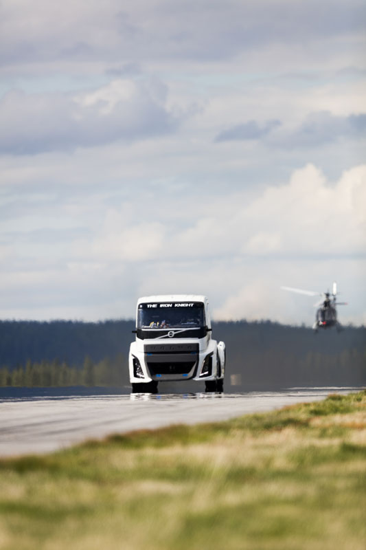 Volvo's 2400hp Iron Knight Breaks Truck Speed Records   Carscoops