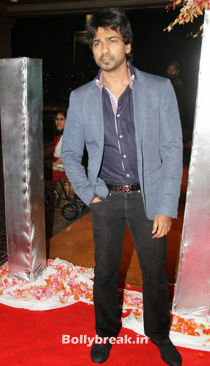 Nikhil Dwivedi, Siddharth Kannan & Neha Agarwal Wedding Reception Pics