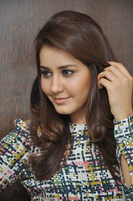Tollywood Actress Rashi Khanna At Movie Function In Black Dress ❤