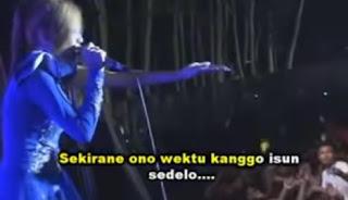 Lirik Lagu Dangdut Banyuwangi Asmoro Terjemahan