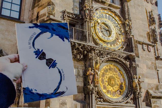Praga, Republica Checa, historia, novela, reloj astronómico, viajes en el tiempo, el retroceso