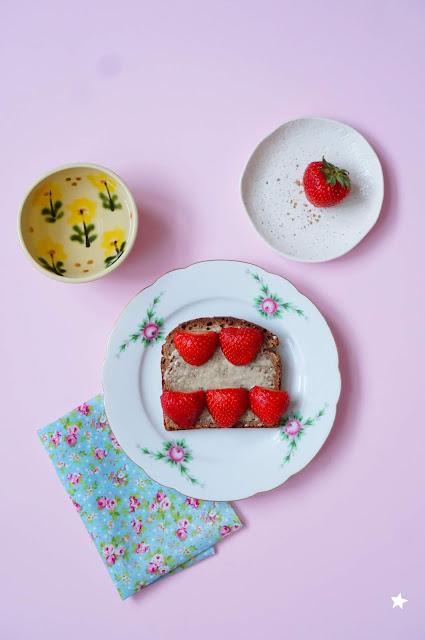 fraises pain au levain photo culinaire