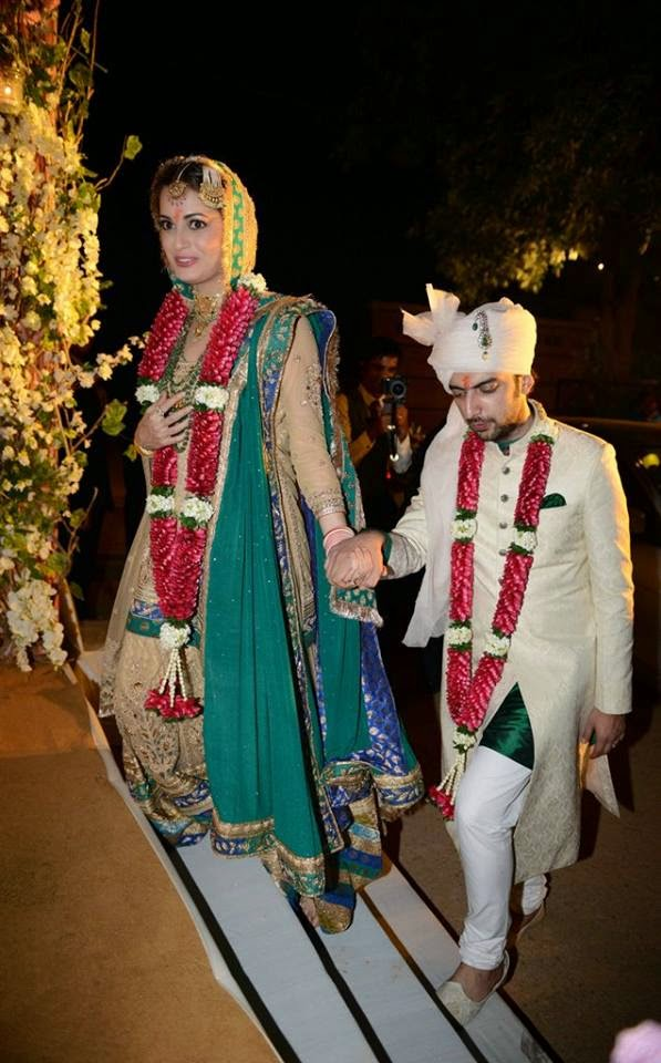 Dia Mirza and Sahil Sangha Wedding marriage album photo gallery