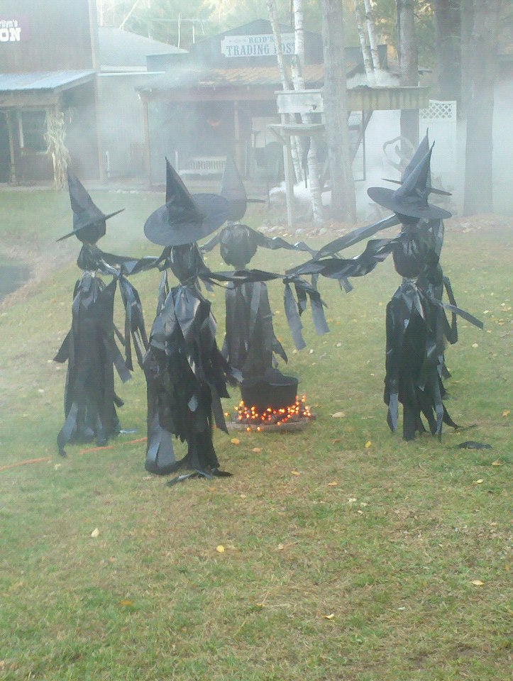 Unique unusual or interesting 9 diy halloween decorations for 3 witches halloween decoration