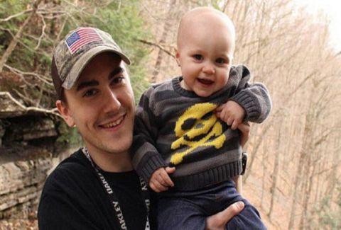 Aρρωστημένο μυαλό: Σκότωσε την 21 μηνών κόρη του με ρόπαλο γιατί την ζήλευε!