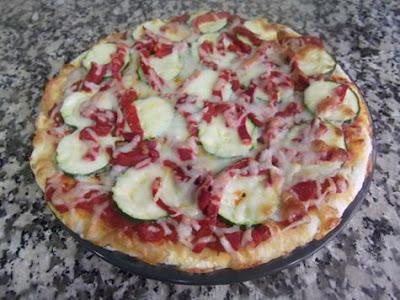Pizza de calabacín y pimientos del Piquillo