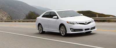 2013 Toyota Camry Owners Manual Mustahaq border=