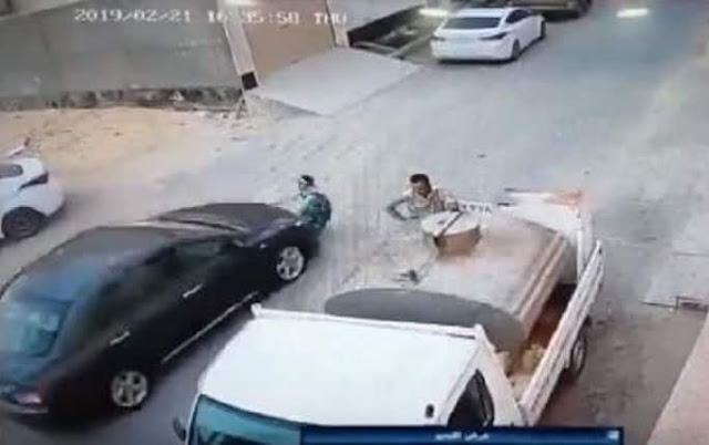 LITTLE GIRL HIT BY A CAR IN RIYADH ESCAPES UNHURT