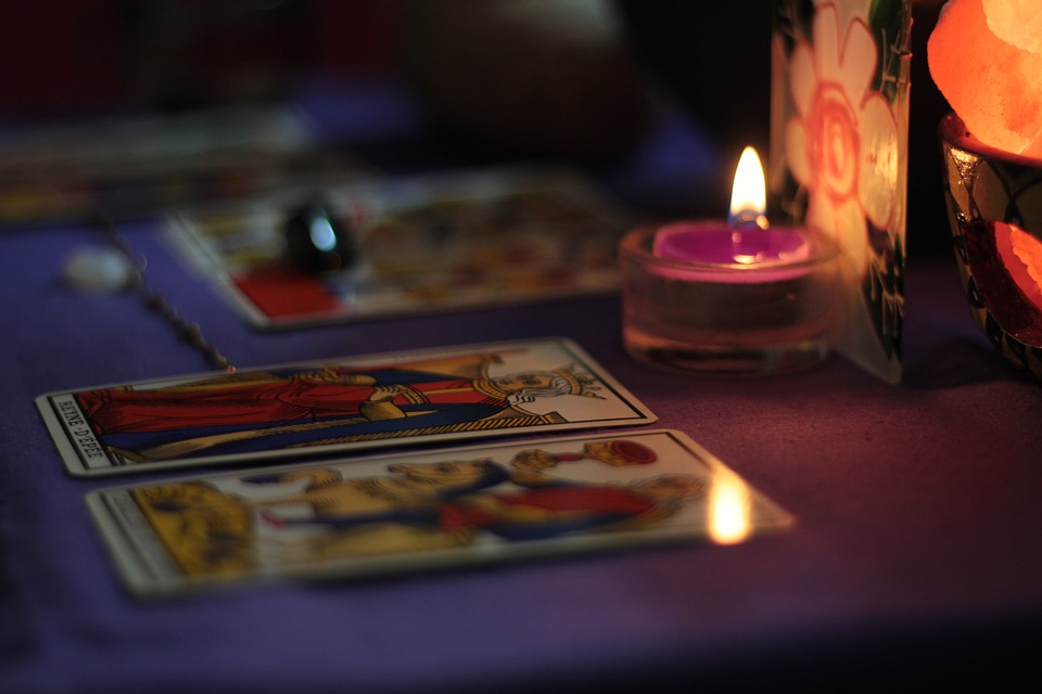 Laughing Gypsy: Can the Tarot Predict the Future?