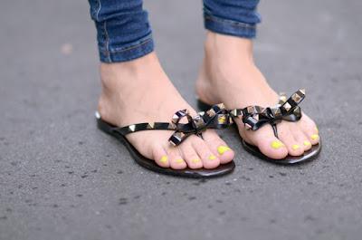 sandalias blancas como combinar
