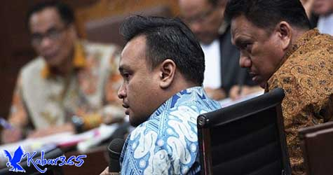 Keponakan Novanto Disebut Tidak Mau Terima Dolar di Indonesia
