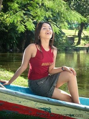 Super Burmese Sexy & Hot Girl's Latest Photos From Bangkok