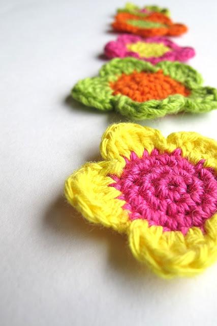 DIY gehaakt bloemetje