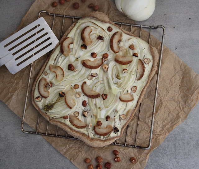 Cuillère et saladier : Pizza fenouil-poire-noisette