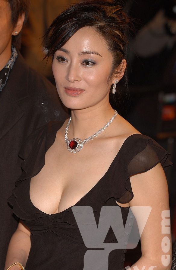 Not Easy To Handle: Sharla Cheung 张敏  Not Easy To Han...