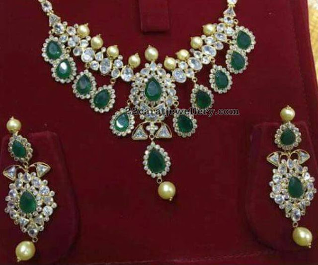 Emerald CZ 18 Carat Gold Light Weight Set