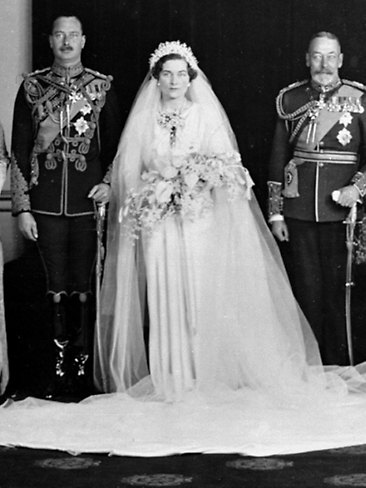 The Particular Significance Of This Dress Is Due To Its Designer Norman Hartnell Today That Seems Like A Typical Royal Choice But Alice S Was