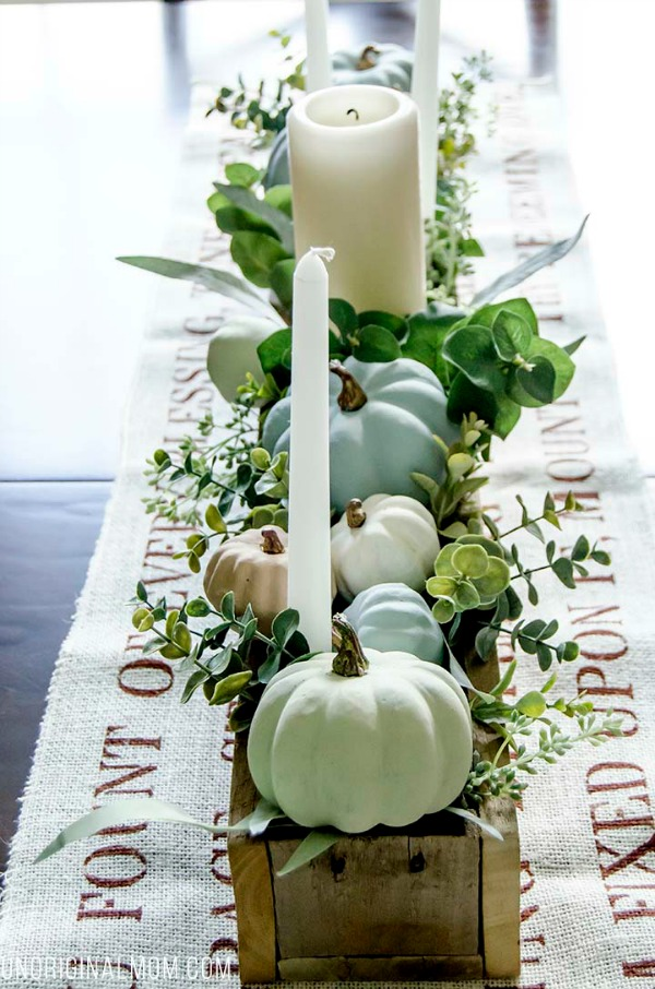 Chalk Paint Pumpkins Centerpiece from Unoriginal Mom