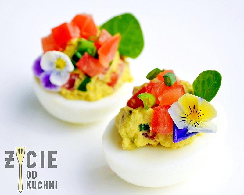 jajka faszerowane, wielkanoc, przepisy z jajem, przepisy na wielkanoc, wielkanocne sniadanie, dekorowanie jajaek, zycie od kuchni