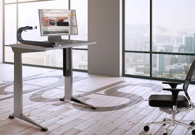 Flexible design, secure guidance: modern office furniture with e-chains from igus