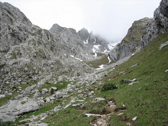 Rutas Montaña Asturias: Subiendo por Vega del Mulo, en ruta al Requexón