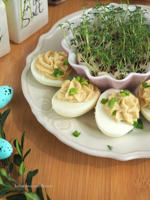 Jajka faszerowane ( bez majonezu )