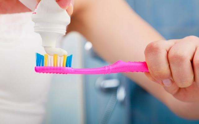 Πρέπει να αλλάζουμε οδοντόβουρτσα μετά από γρίπη ή κρυολόγημα;