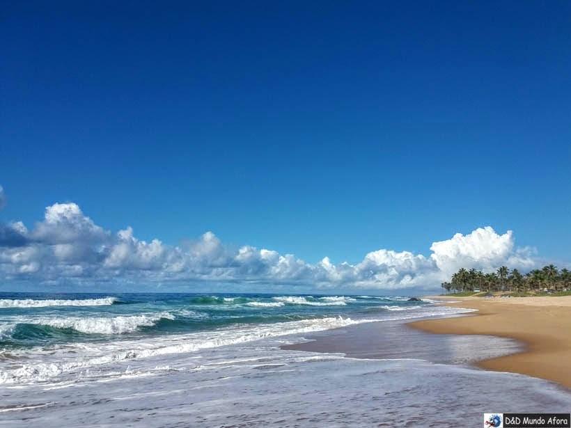 Praia Stella Maris em Salvador - semana santa 2019 - 7 destinos para viajar no feriado
