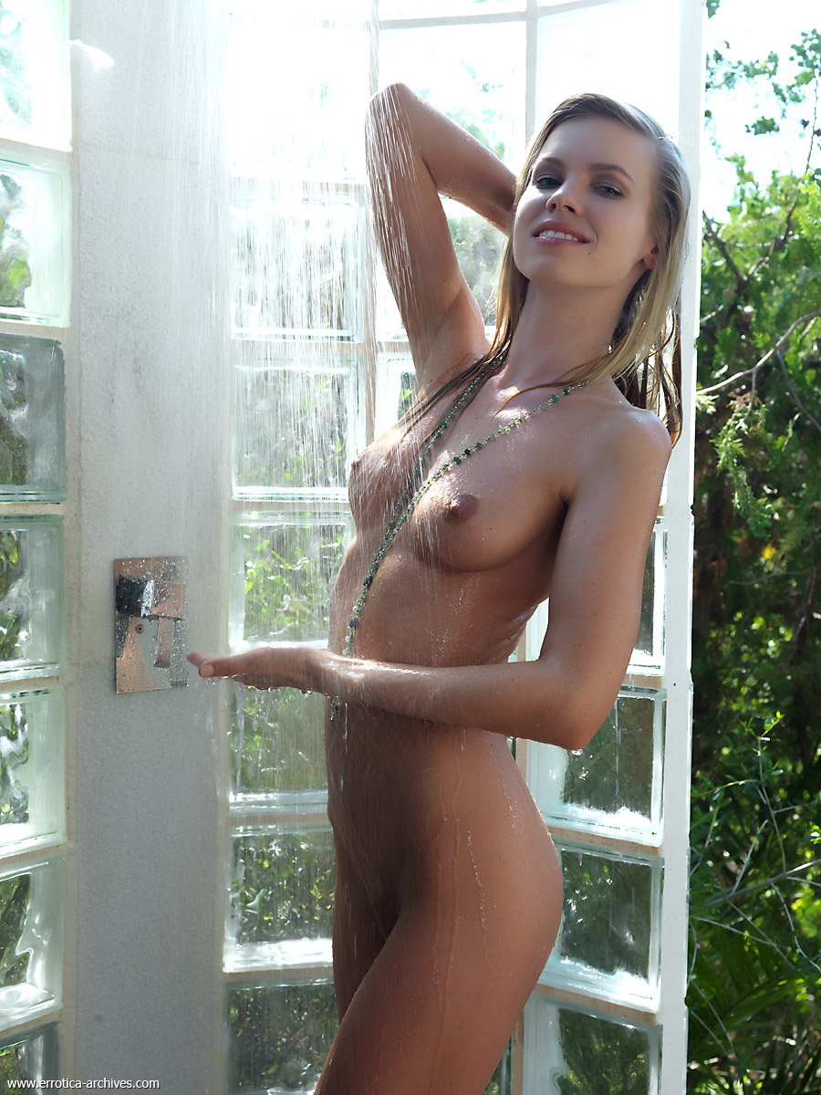 Consider, Nude outdoor shower not take