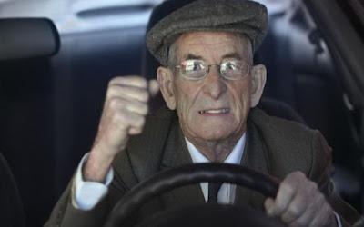 Τι αλλάζει στις άδειες οδήγησης ηλικιωμένων και ατόμων με αναπηρία