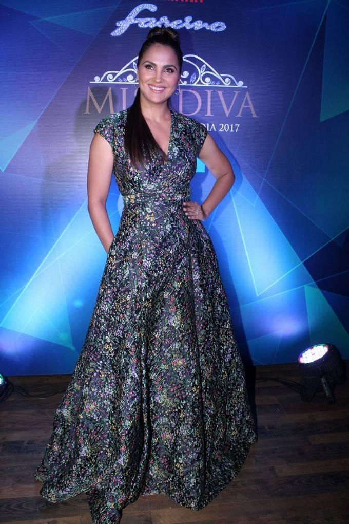 Lara Dutta At Yamaha Fascino Miss Diva 2017 Bloggers Meet Stills