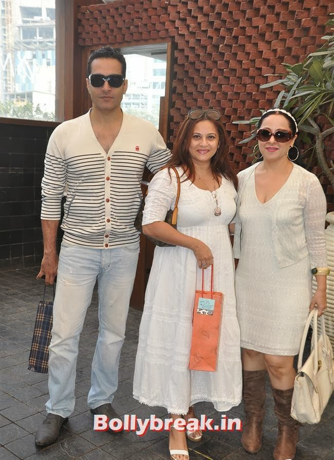 Sudhanshu Pandey and his wife Mona with Mansi Roy
