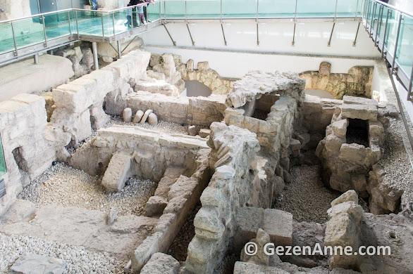 Makam-ı Danyal Cami'nde Danyal Peygamber'in türbesi var, Tarsus