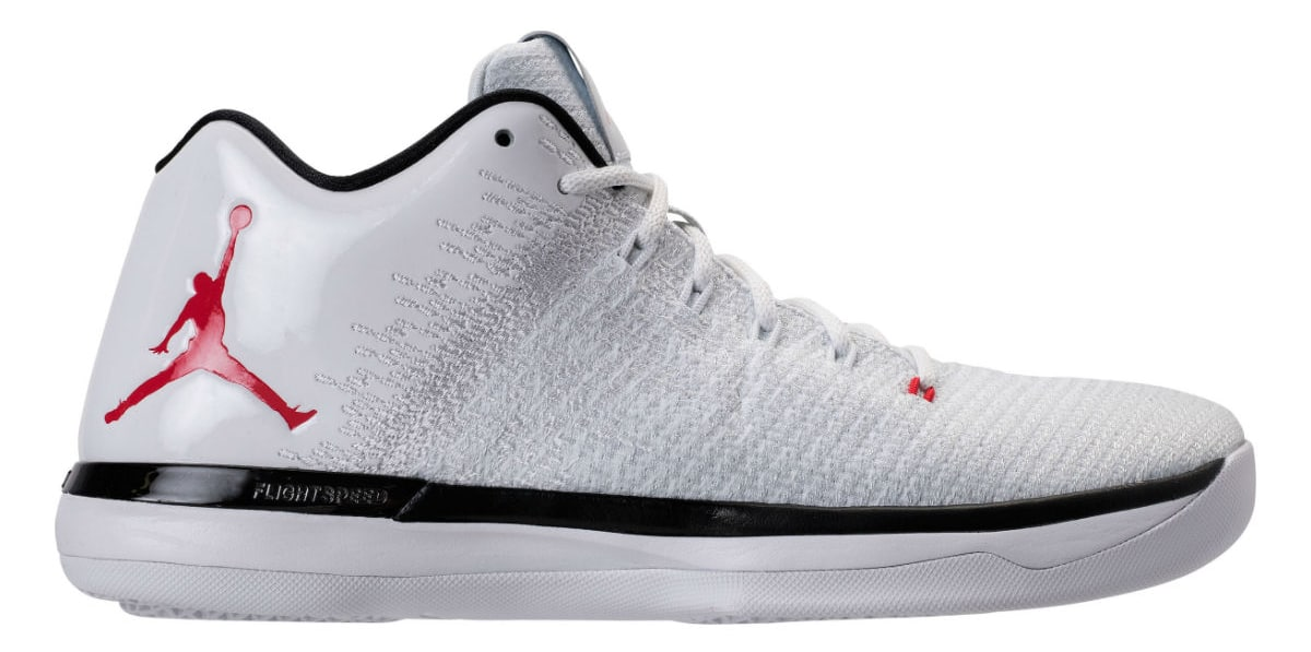 Air Jordan 31 Low in Bulls Home Colorway