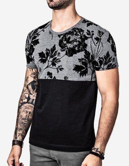 Look Masculino com Camisa Estampada e Roupas para homens magros e baixos