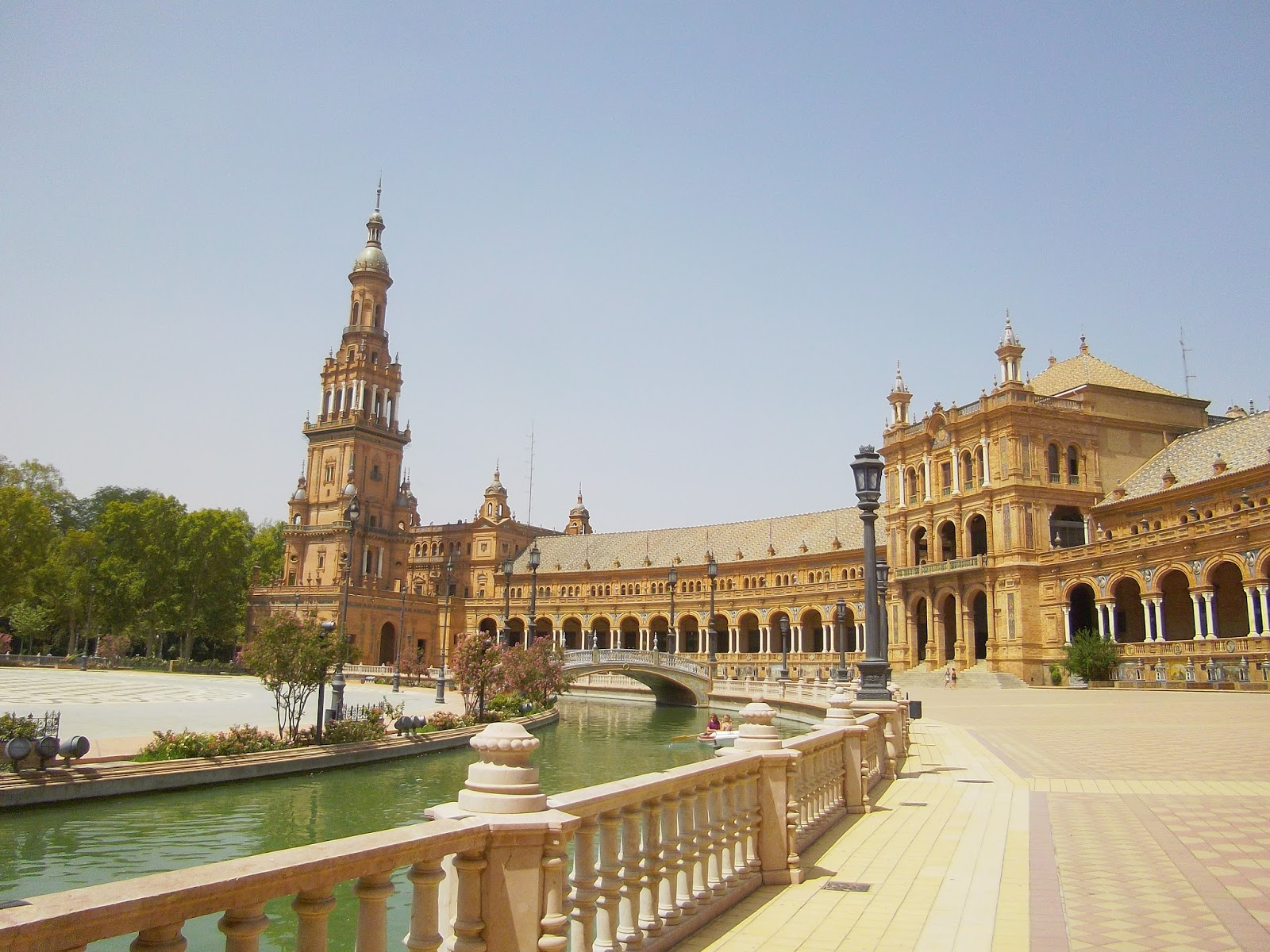 Plaza De Espa 241 A Seville Spain Life In Luxembourg