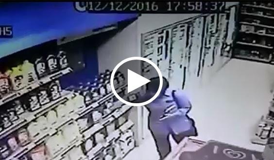 """VIDEO: Inilah Wajah Sebenar Wanita """"NAVY"""" Yang Mencuri """"MINYAK PELINCIR"""" Untuk Suami. Ada Sesiapa Kenal Ka? MOHON SHARE DAN VIRALKAN"""