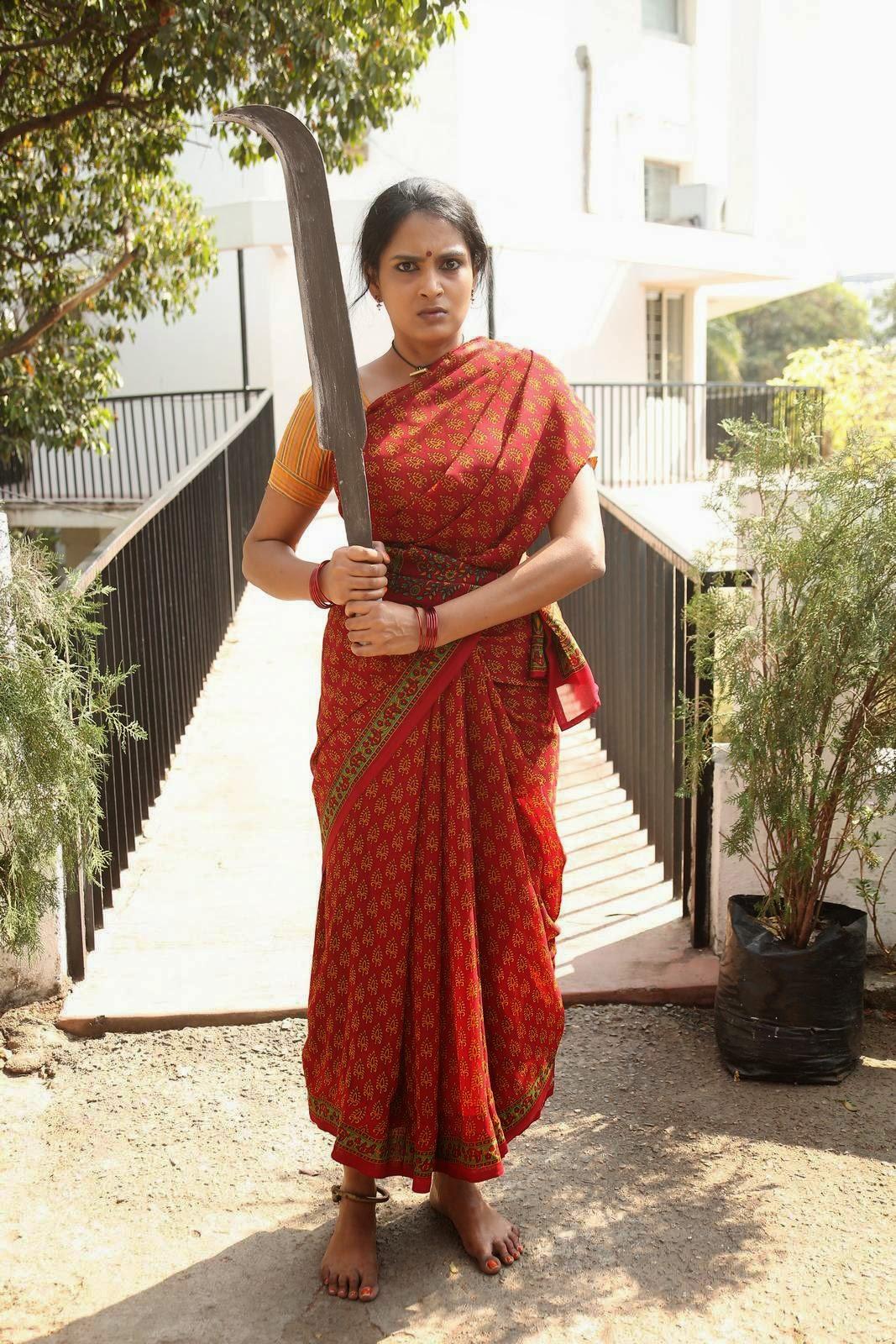Himaja-Veta Kodavallu Photo Gallery, Telegu Actress Himaja Hot Pics In sare from Veta Kodavallu Movie