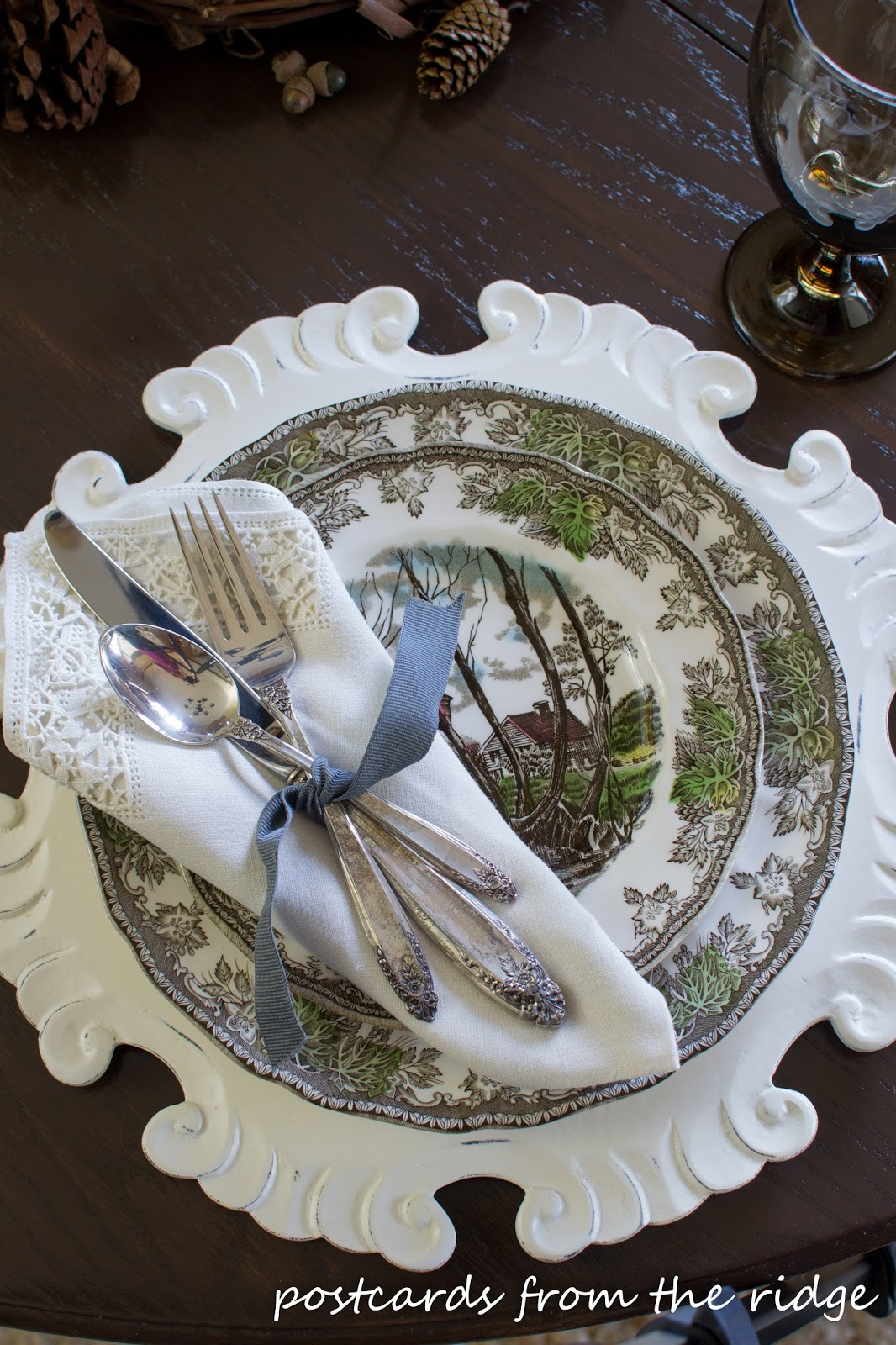 Simple Thanksgiving Tablescape Using Natural Items