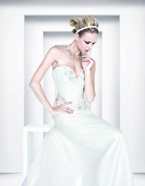 4ad007a49751 Si chiama Florinda la collezione che racchiude i nuovi abiti da sposa per  la donna che desidera avviare le sue nozze già quest anno.