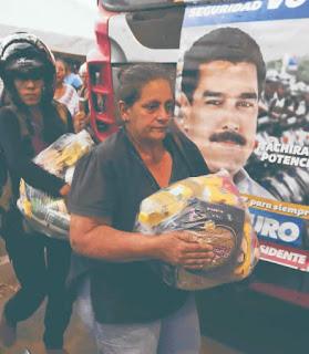 El diario The New York Times publicó ayer un artículo en el que acusa al Gobierno de Venezuela de utilizar alimentos y medicinas para presionar a los ciudadanos antes de las elecciones presidenciales de 2018, advirtiéndoles que dejarían de recibir subsidios y tratamientos si no votaban por Nicolás Maduro.