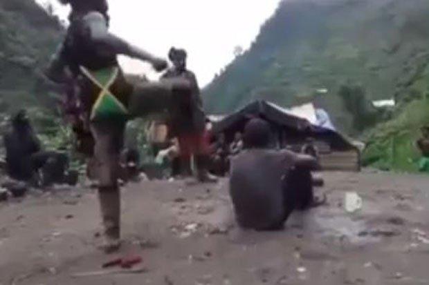 Beredar Video Kekerasan Kelompok Bersenjata Terhadap Warga Papua